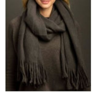 Accessories - Fringe Blanket Scarf in Black NWT